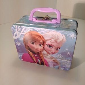Other - 18pc Collectable girls figures in frozen tin,